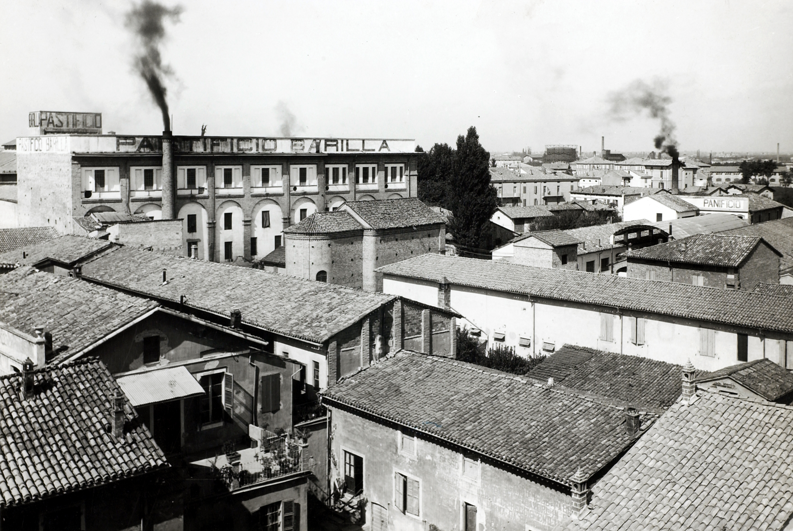 The extension of Barilla plant in a photo by Luigi Vaghi of 1923 [ASB A 28].