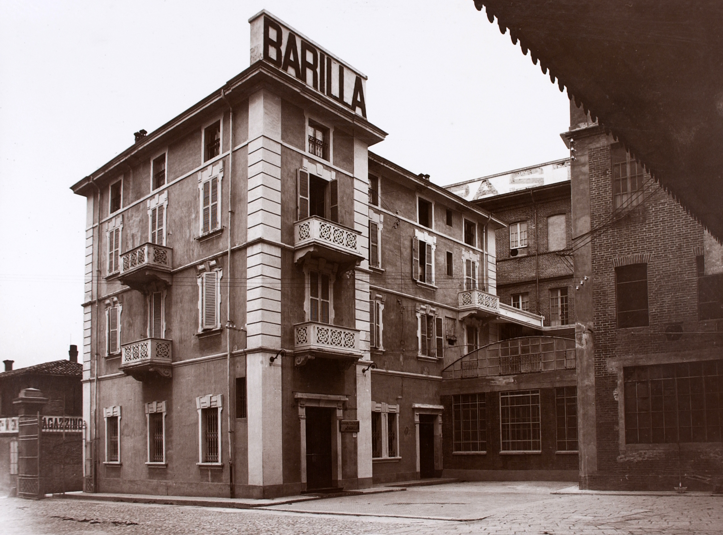 The 1908 Barilla offices facility in a photo of 1930 [ASB, Aa 494].