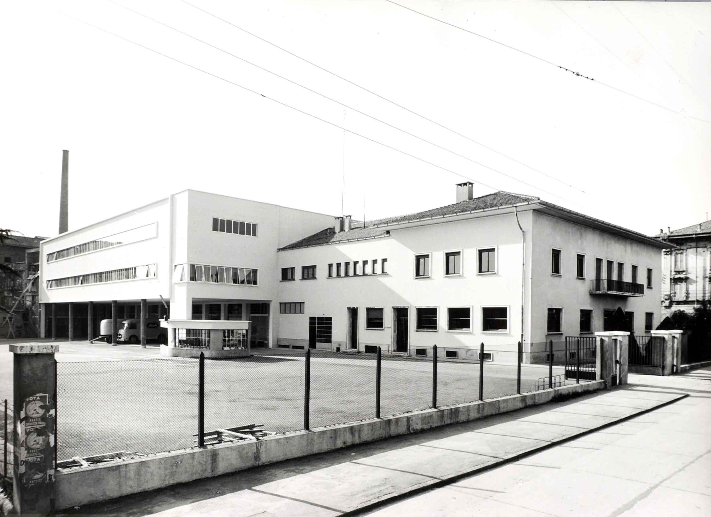 The building used for the offices after the transformations made by the engineer Ugo Vitali Mazza in 1957 to the Mill [ASB, Aa 391], first part of the restoration of the plant during the post-war period.