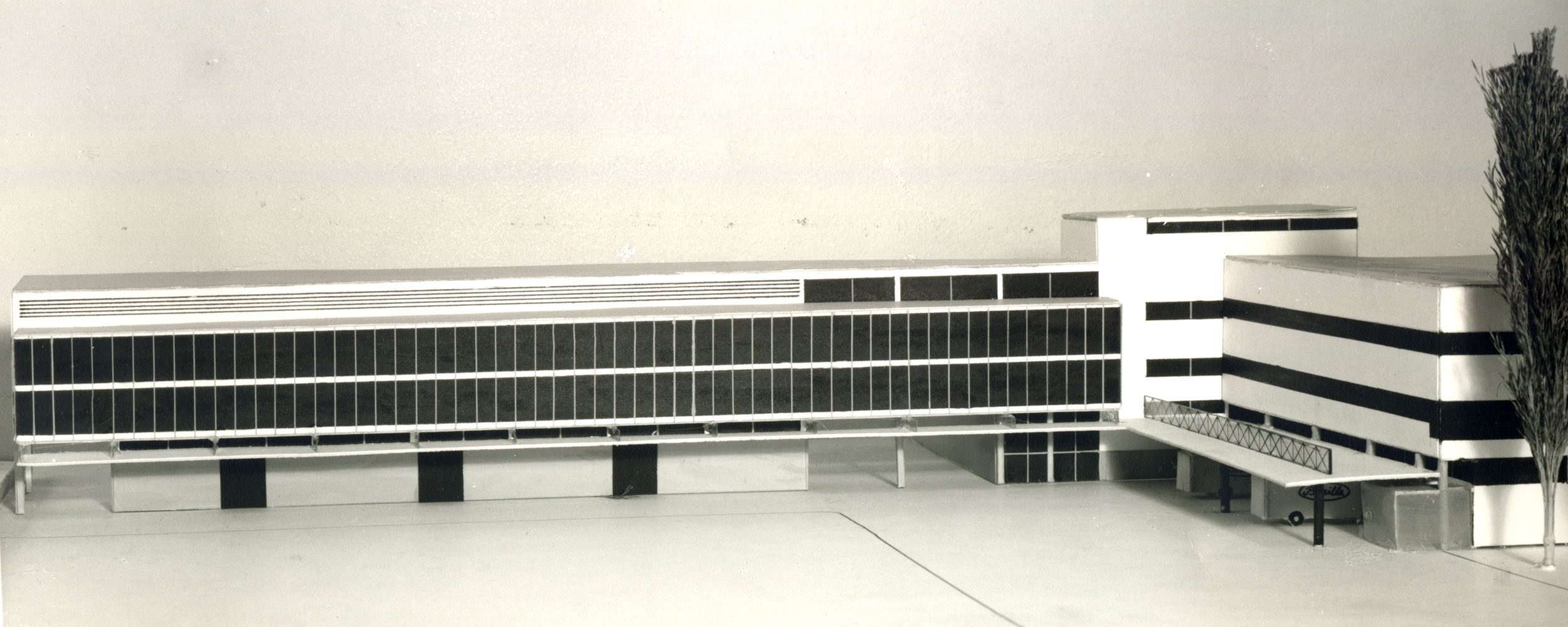 A view of the detailed model with the project of architect Gian Luigi Giordani for the northern structure, that in the end was not built [ASB, O, Stabilimenti, Foto Vaghi].