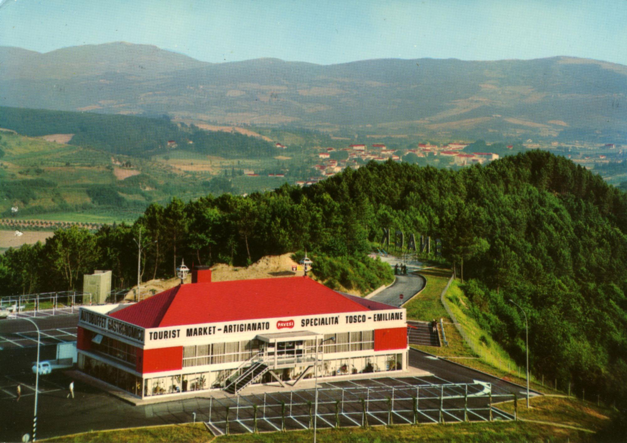 Pavesi Service Station postcard - Aglio