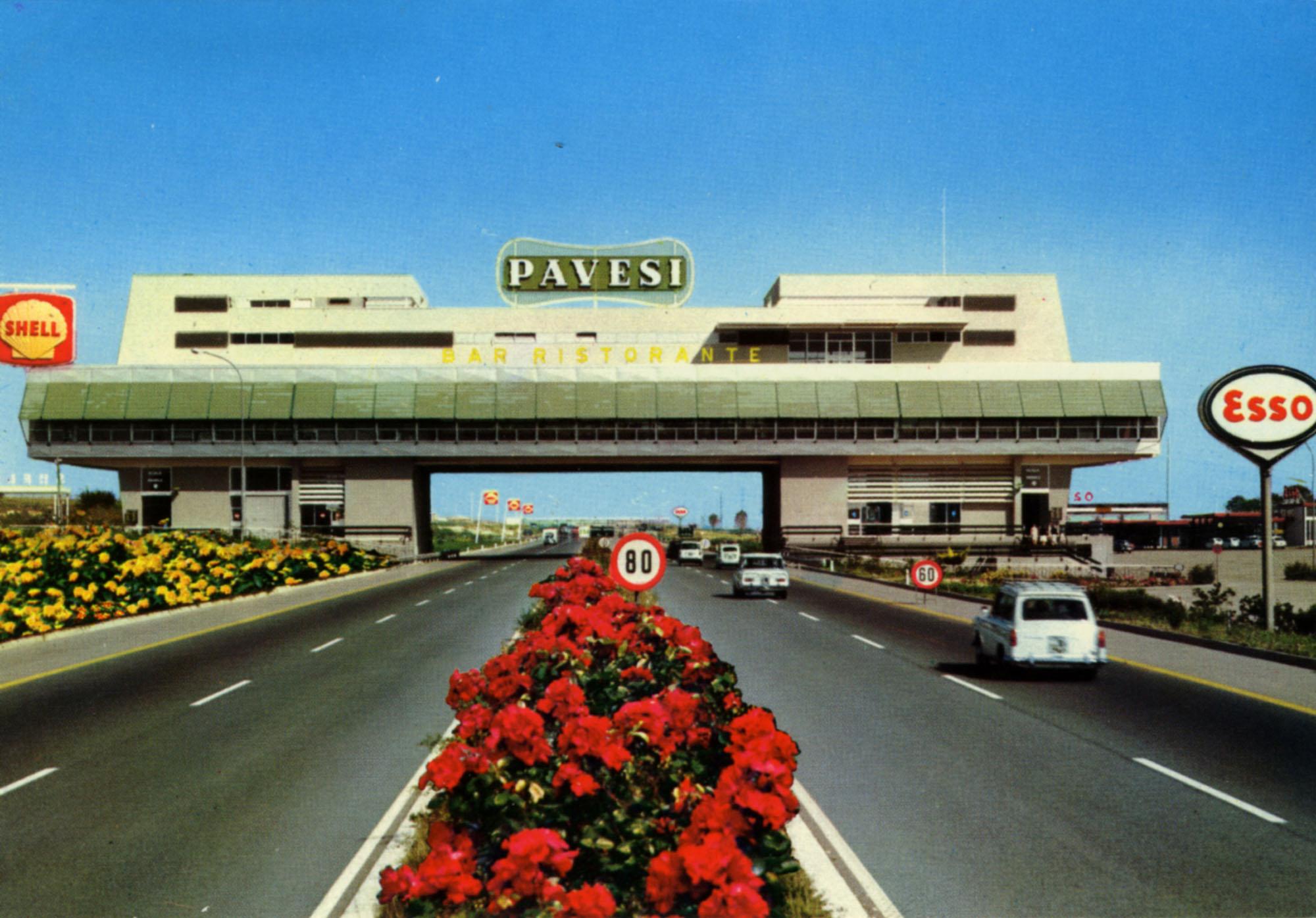 Pavesi Service Station postcard - Ferronia
