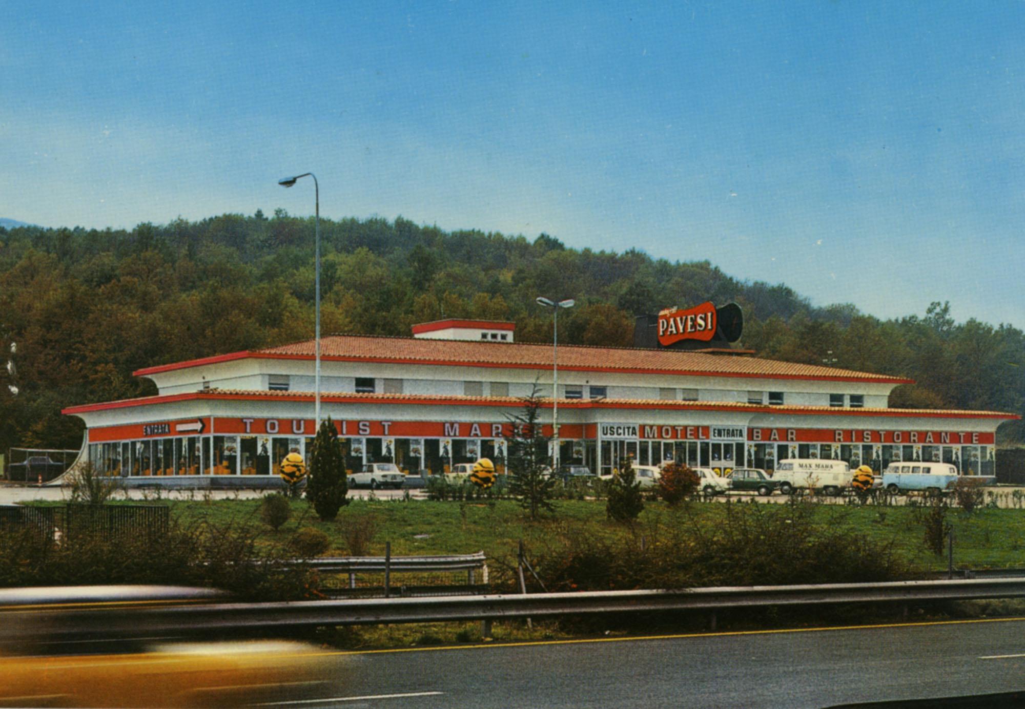 Pavesi Service Station postcard - La Macchia Ovest