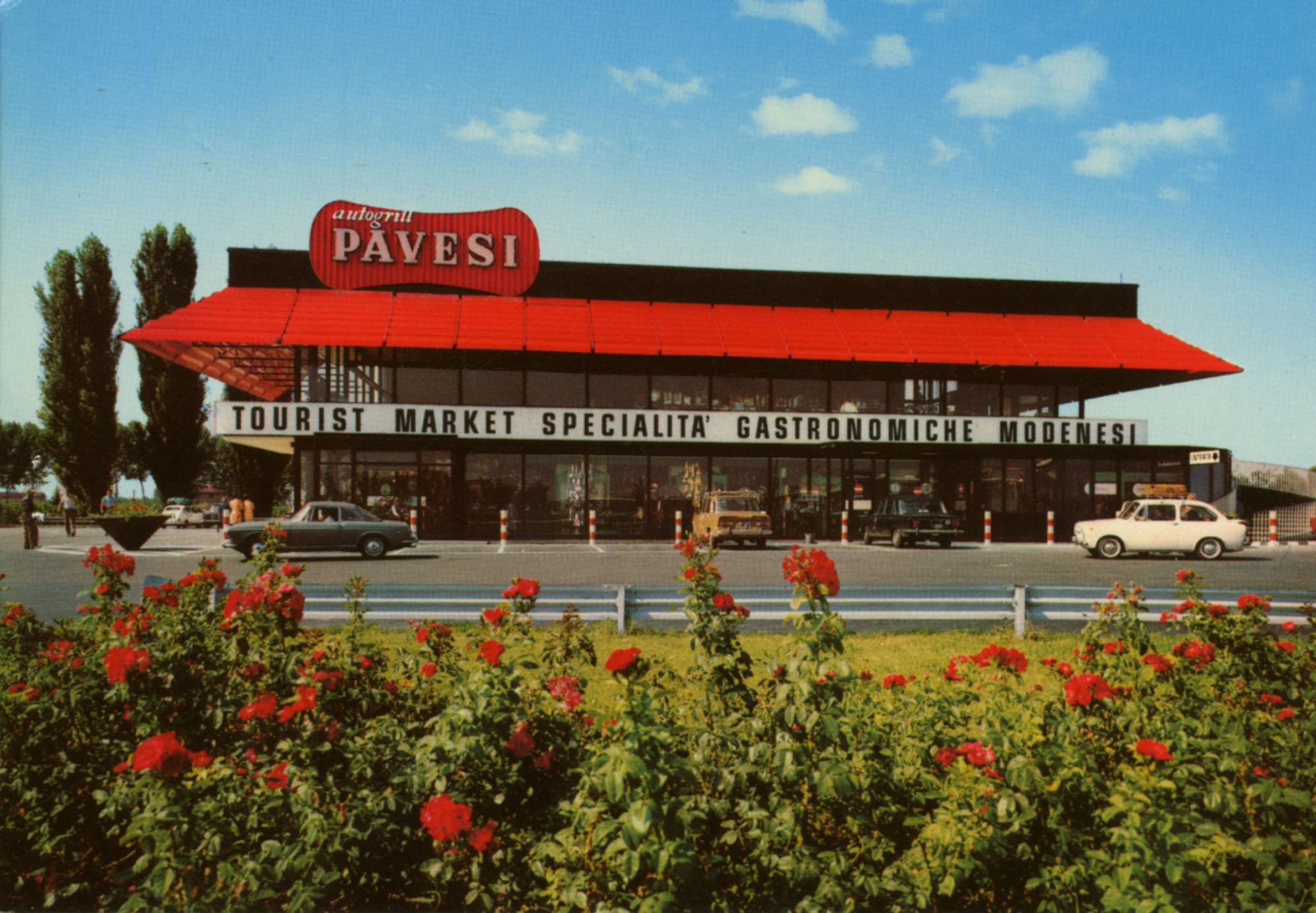 Pavesi Service Station postcard - Secchia