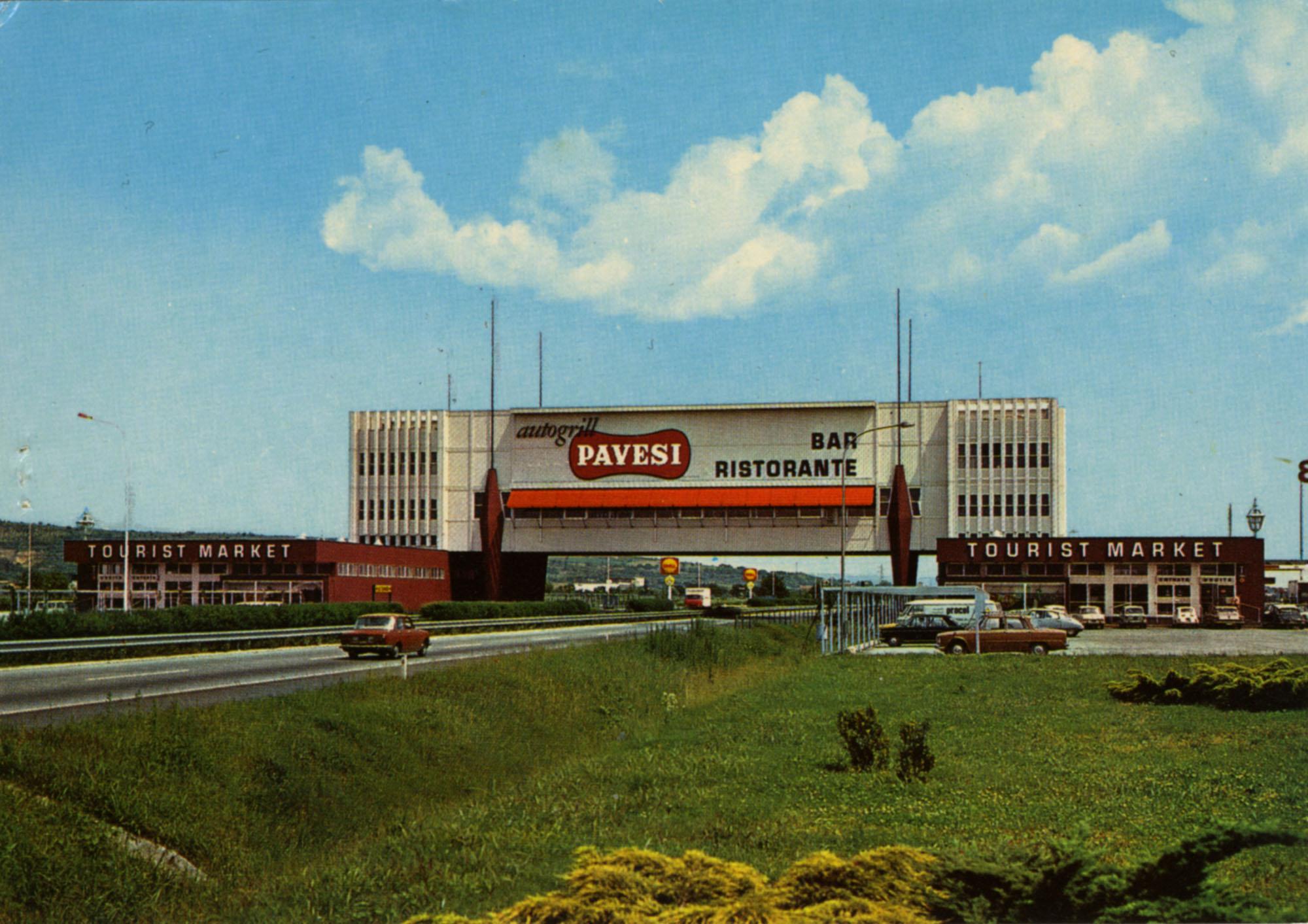 Pavesi Service Station postcard - Soave