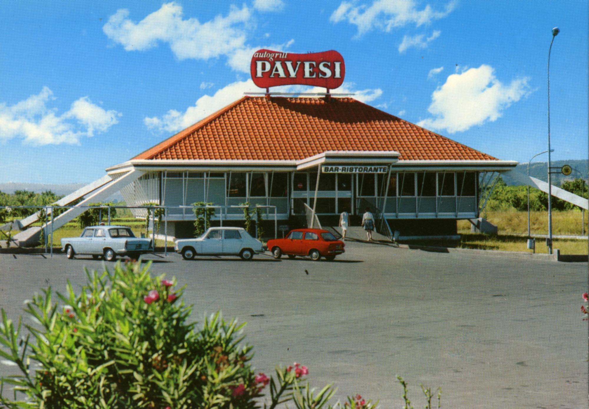 Pavesi Service Station postcard - Tevere Est