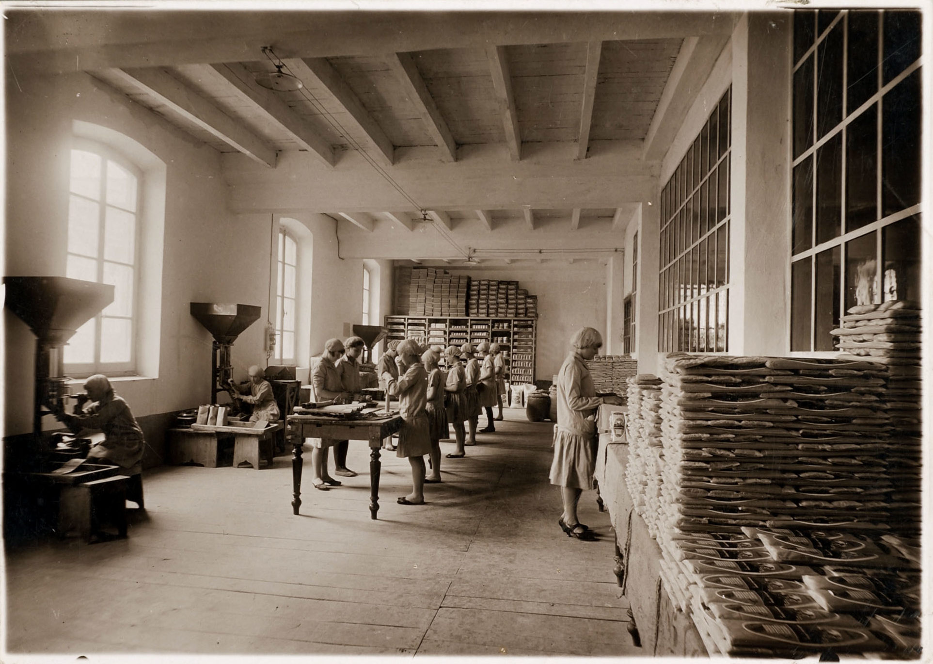 1936 - The packaging area of the Barilla Pasta Plant