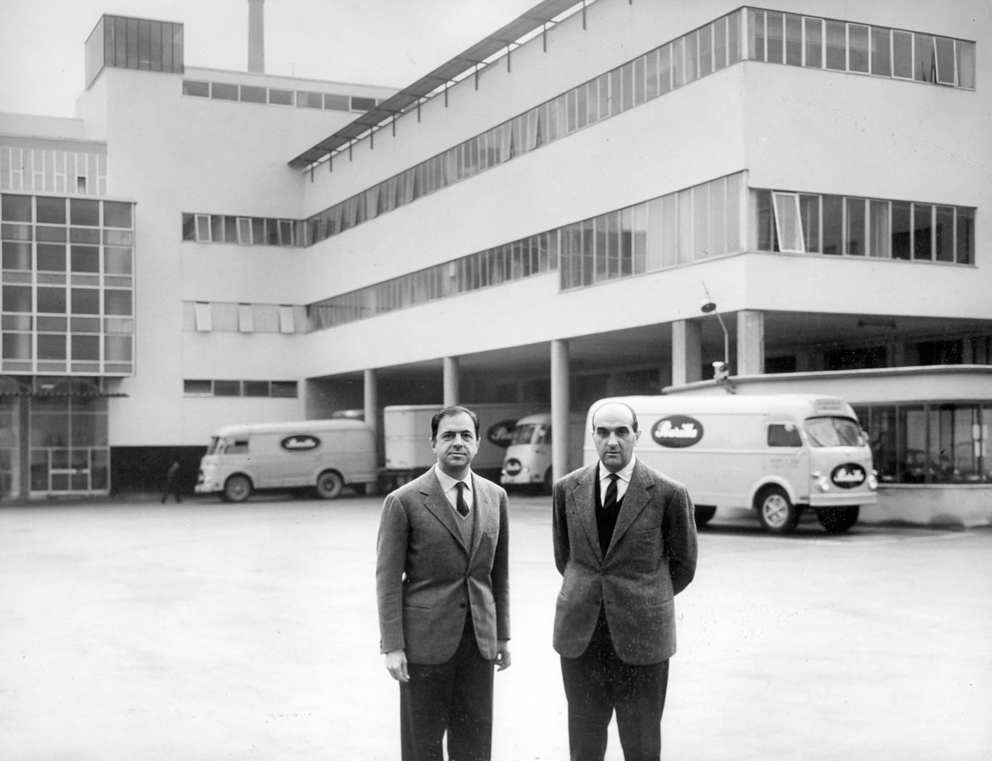 1955 - Gianni and Pietro Barilla in front of the renewed plant in Viale Veneto