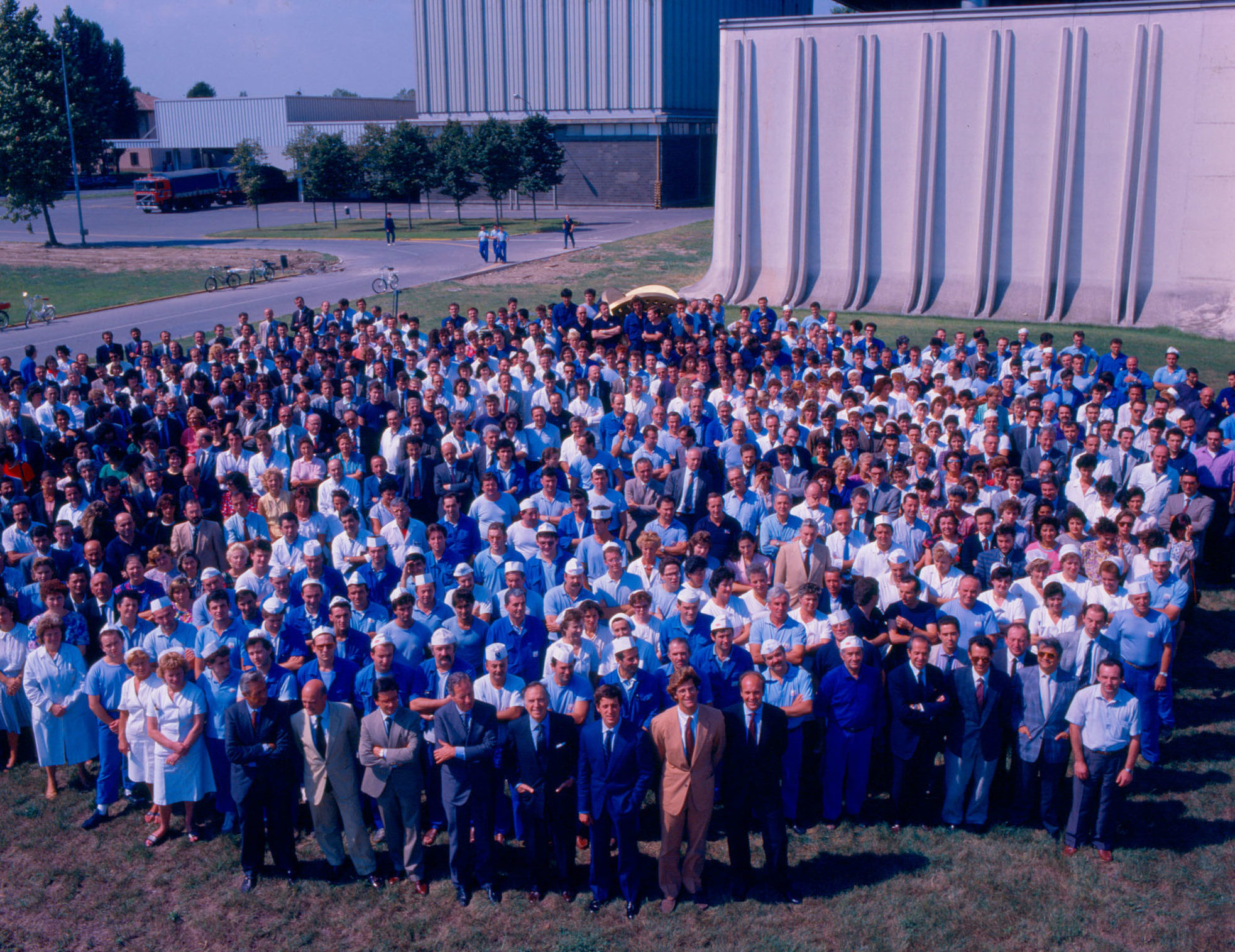 1990 - Pietro Barilla with Pedrigano Plant Employees in 1990
