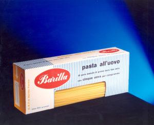 """Erberto Carboni, confezione per la pasta all'uovo Barilla con l'esclusiva finestratura """"ad angolo"""" brevettata – [ASB, BAR I Na 1955]."""