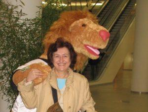 Graziella Carbone with the mascot of the Nuremberg Fair in 2007.